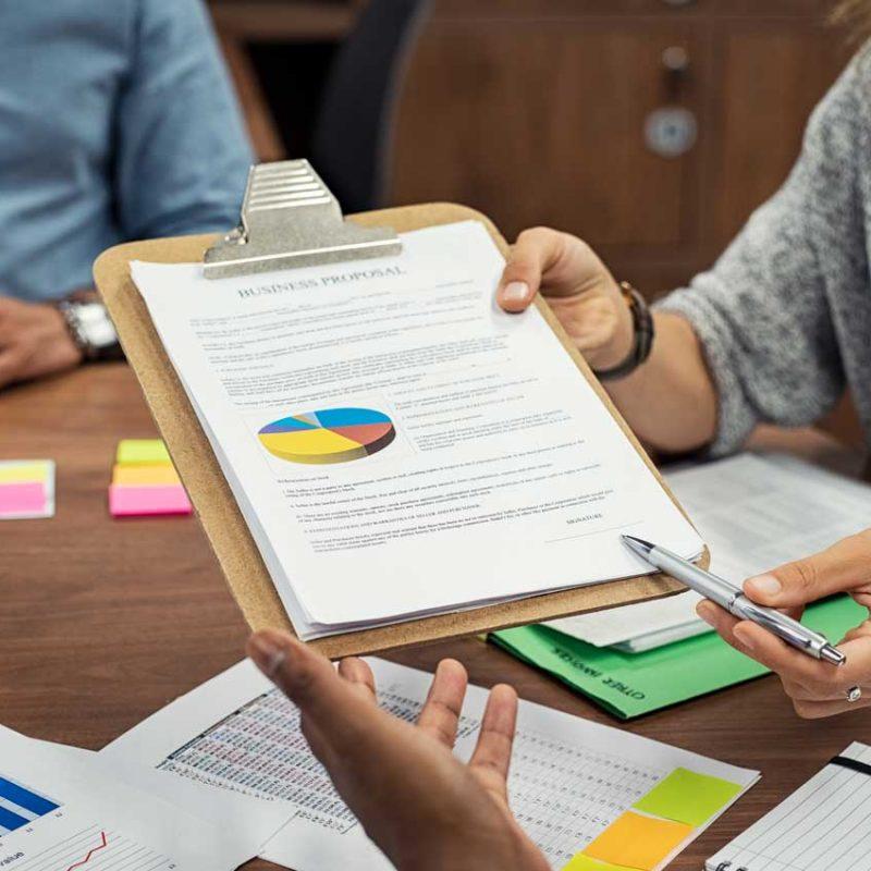 Estudios-de-factibilidad-e-investigación-de-mercado